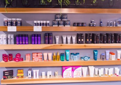 nouveau-on-dauphin-hair-products-2